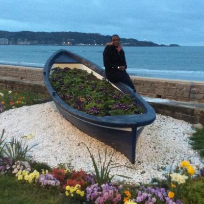 """Emma sur une """"barque fleurie"""""""