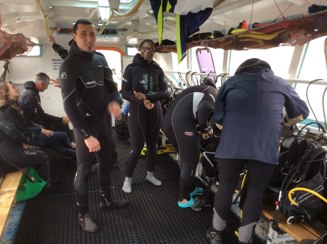 Préparatifs et dernières consignes avant la plongée...